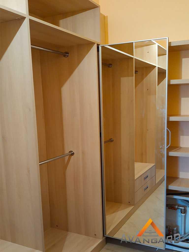 планировка шкафа для одежды