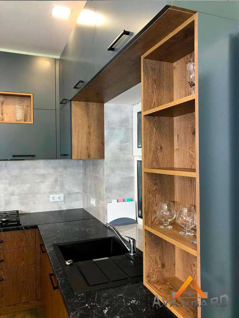 Кухня со шпонированного и крашеного МДФ